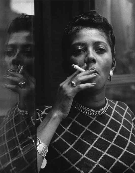 Mario De Biasi, Fumatrice di Harlem (1956) | Posted on the Harlem Collective Tumblr, July 26, 2015 (http://harlemcollective.tumblr.com)